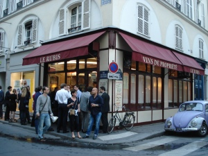 Le Rubis Wine Bar in Paris, France